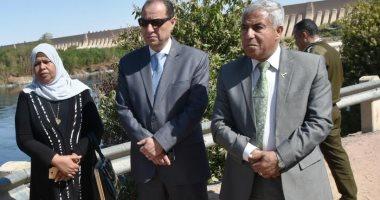 محافظ أسوان يعرض على وزير النقل خطة مشروع الكوبرى البديل لخزان أسوان