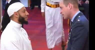 الأمير ويليام يكرم إمام مسجد بلندن ويمنحه وسام الإمبراطورية.. اعرف التفاصيل