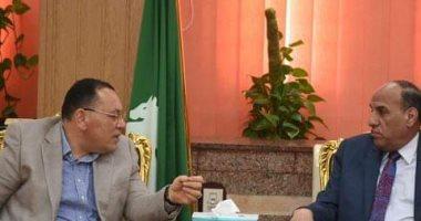نائب رئيس الهيئة العربية للتصنيع يبحث مع محافظ الشرقية اقامة مصنع ورق من مخلفات قش الأرز