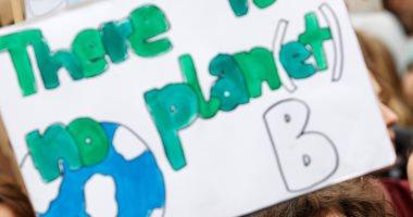 صور ..مظاهرات شبابية فى برلين للمطالبة باتخاذ تدابير عاجلة ضد تغير المناخ