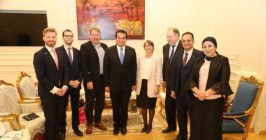 وزير التعليم العالى يبحث مع سفيرة فنلندا تعزيز التعاون بين البلدين