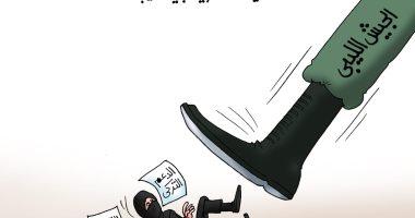 الجيش الليبي يدوس على التمويلات التركية والقطرية فى كاريكاتير اليوم السابع
