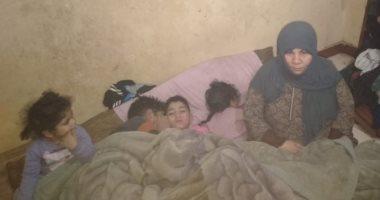 صور.. قصة سيدة طلقها زوجها وتركها بـ8 أطفال والديون تحاصرها