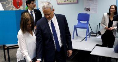 صور.. انتخابات الكنيست.. بينى جانتس منافس نتنياهو يدلى بصوته وسط أنصاره