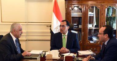 رئيس الوزراء يوجه بالتفاوض سريعا مع شركات تصنيع التابلت لتصنيعه فى مصر