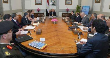 السيسى يستعرض خطة الحكومة لنقل مؤسسات الدولة للعاصمة الإدارية الجديدة