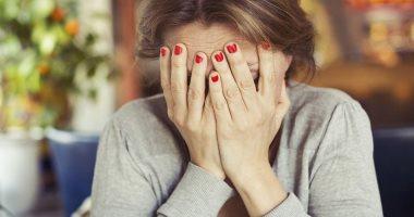6 علامات هتقولك أنت مريض بالاكتئاب.. مدمن  فيس بوك  -