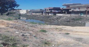 صور.. الحكومة تعلن تطهير مصرف دمنهور من تراكمات القمامة والمخلفات الصلبة
