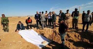 صور.. العراق يكشف عن مقبرة جماعية لأكراد قتلوا فى عهد صدام حسين