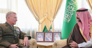 وزير الحرس الوطنى بالسعودية يستعرض العلاقات مع قائد القيادة المركزية الأمريكى