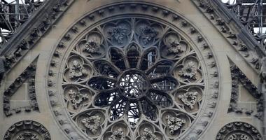 إسبانيا تفحص السلامة الكهربائية لآثارها غداة حريق كاتدرائية نوتردام