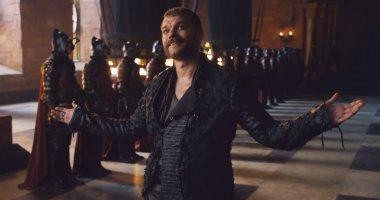Euron Greyjoy يعترف: قبلت رجلا من أجل الانضمام لـGame of Thrones.. صور