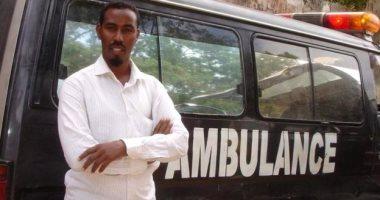 صور.. طبيب صومالى يحول السيارات القديمة إلى إسعاف لإنقاذ ضحايا الإرهاب ببلاده