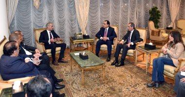 """مدبولى يلتقى الرئيس التنفيذى لـ """"الخرافى"""" الكويتية لبحث فرص توسيع الاستثمارات"""