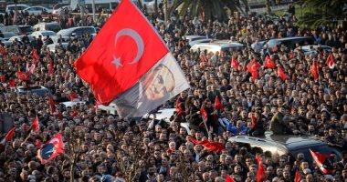 صور.. احتفالات صاخبة فى شوارع اسطنبول احتفالا بفوز مرشح المعارضة