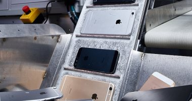 لإعادة تدويرها.. أبل تستخدم روبوتات لتقطيع 1.2 مليون أيفون فى السنة