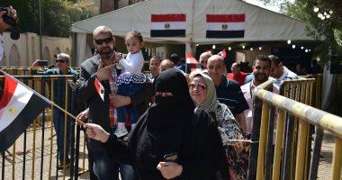 فيديو.. إقبال متزايد للمصريين فى الكويت للمشاركة بالاستفتاء على تعديل الدستور