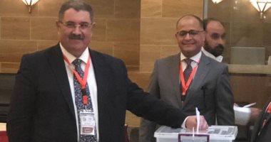 صور.. قنصل مصر بجدة وعشرات المصريين يدلون بأصواتهم على تعديل الدستور