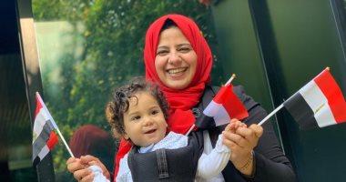 """صور.. الطفل """"سليم"""" أصغر مصرى مغترب فى ميلانو يشارك بالتصويت بالاستفتاء"""
