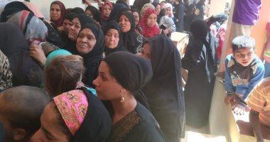 المرأة الصعيدية تتصدر المشهد..مدرسة بالصوامعة تكتظ بمئات السيدات