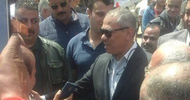 صور.. نائب مدير مباحث الجيزة يتفقد الحالة الأمنية خلال الاستفتاء بإمبابة