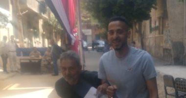 صور.. استمرار توافد المواطنين على لجان الاستفتاء بالجيزة