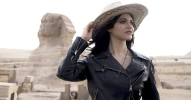 """ملكة أوروبا من أصل مصري """"نيللى عاطف تدعم السياحة بـ""""فوتوسيشن"""" في الاهرامات"""
