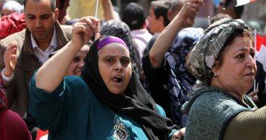 فيديو وصور.. احتفالات بين المواطنين أمام اللجان الانتخابية بالوراق وأوسيم