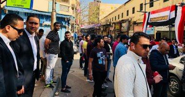 قارئ يشارك بصور لطوابير المواطنين أمام لجان الاستفتاء بالشرابية