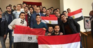صور.. توافد المصرين على السفارة المصرية فى موسكو للتصويت على تعديلات الدستور