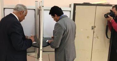 فيديو.. وزير الرياضة يدلى بصوته فى الاستفتاء على التعديلات الدستورية