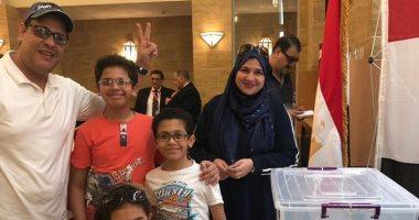 صور.. المصريون فى جدة يدلون بأصواتهم على التعديلات الدستورية لليوم الثانى