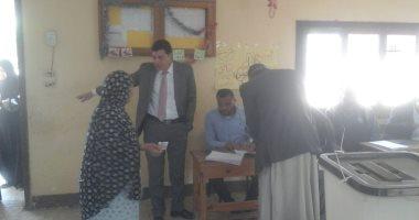 صور.. إقبال كثيف بالساعات الأولى للاستفتاء على تعديل الدستور بلجان منشأة القناطر