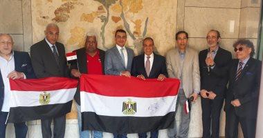 أبناء الجالية المصرية فى ألمانيا يتوافدون للمشاركة فى الاستفتاء