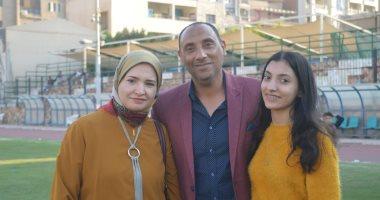شاهد.. مدرب طنطا وزوجته يدعوان المصريين للمشاركة فى استفتاء الدستور