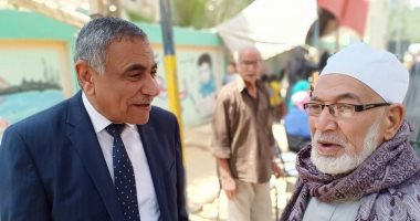الدالى وغريب نائبا البدرشين يشاركان المواطنين أمام لجان الاستفتاء.. صور