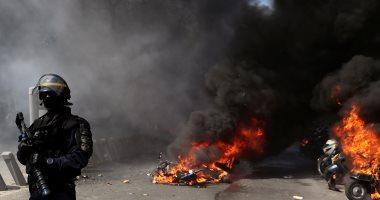 صور.. كر وفر بين متظاهرى السترات الصفراء والشرطة الفرنسية للأسبوع الـ23