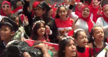 """فيديو.. فريق كورال أمام لجنة بالزمالك بأعلام مصرية: """"اعمل الصح"""""""