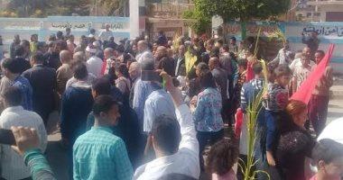 صور..  زحام أمام لجان الاستفتاء على الدستور بمراكز المنيا والمنوفية