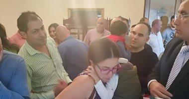 صور.. مشاركة مكثفة من الجالية المصرية بجنوب أفريقيا فى آخر أيام استفتاء الدستور