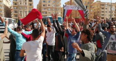 شاهد.. فرحة ورقص المواطنين في اليوم الثاني للتعديلات الدستورية بالشيخ زايد