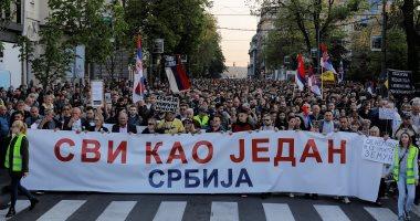 صور.. تجدد الاحتجاجات فى بلجراد ضد الرئيس الصربى وحزبه الحاكم