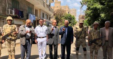 جلال سعيد وزير النقل الأسبق يدلى بصوته فى استفتاء الدستور بالعجوزة