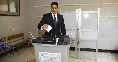 فيديو وصور.. أحمد أبو هشيمة يدلى بصوته بالاستفتاء على التعديلات الدستورية بمصر الجديدة