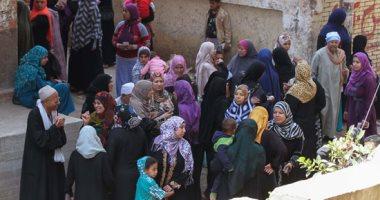 صور..  زحام شديد على لجان العياط فى اليوم الثالث للاستفتاء