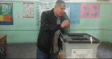 صور.. شوبير يدلى بصوته فى الاستفتاء على التعديلات الدستورية بميت عقبة
