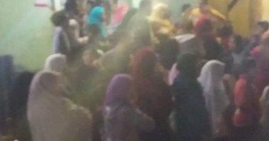 احتشاد أهالى قرية ميت فارس دقهلية قبل انتهاء التصويت