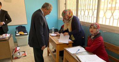 صور.. عمرو موسى وزوجته يدليان بصوتيهما فى الاستفتاء على تعديلات الدستور