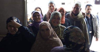 فيديو وصور.. إقبال كبير على لجان الاستفتاء بقرى الغربية.. ومسيرة حاشدة لقومى المرأة