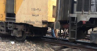 مصرع شاب صدمه قطار أثناء عبوره السكة الحديد بالعياط